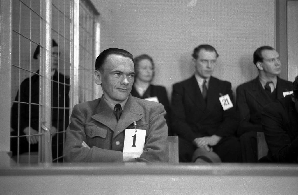 1946. Henry Rinnan norég Gestapo ügynök tárgyalása a háború után Trondheimben..jpg