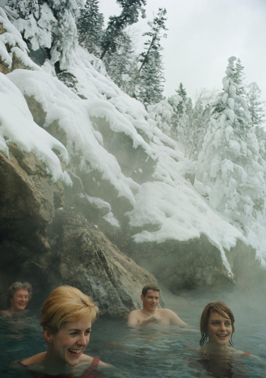 1966. Természetes termálvízben fürdőzők. Kanada, Brit-Kolumbia..jpg
