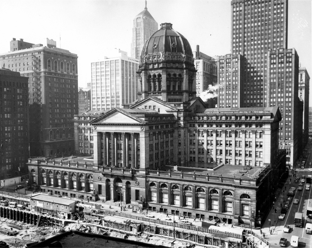 1961. Chicago Federal Building built in 1905 and demolished in 1965..jpg