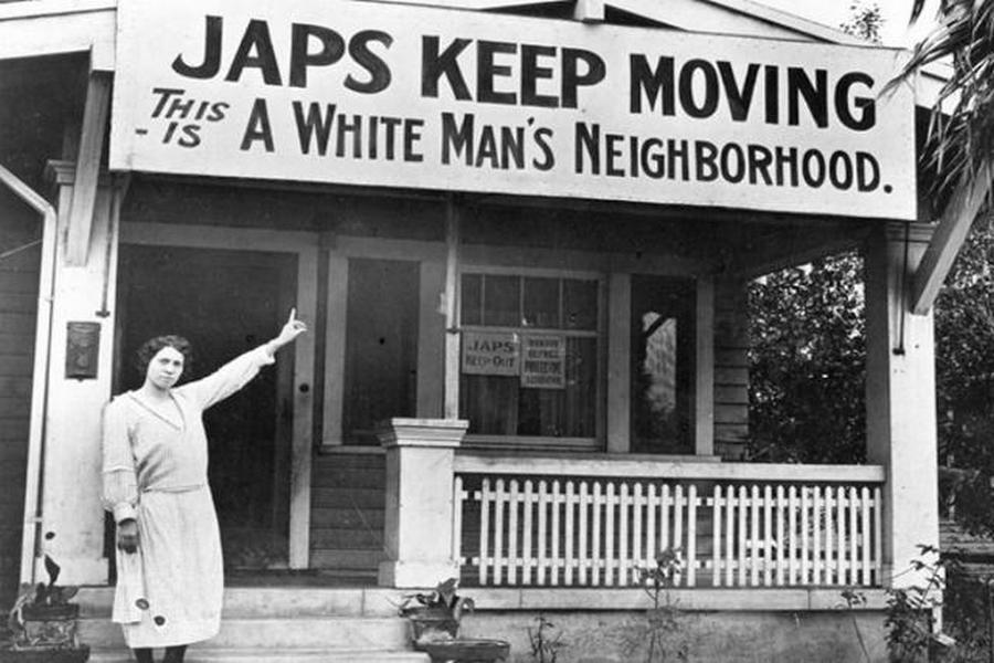 1923. Kalifornia, USA. A második vh. még messze, de a japánok nem kívánatosak. Japcsik el innen, ez egy fehér környék..jpg