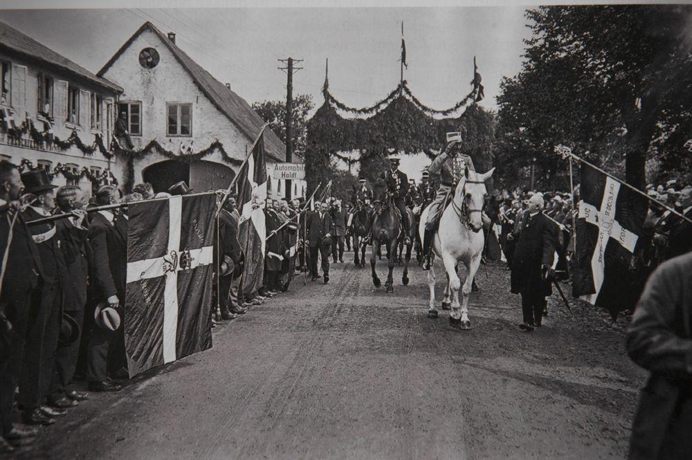 1920. A dán király belovagol a frissen Dániához csatolt német Észak-Slesvig tartományba..jpg