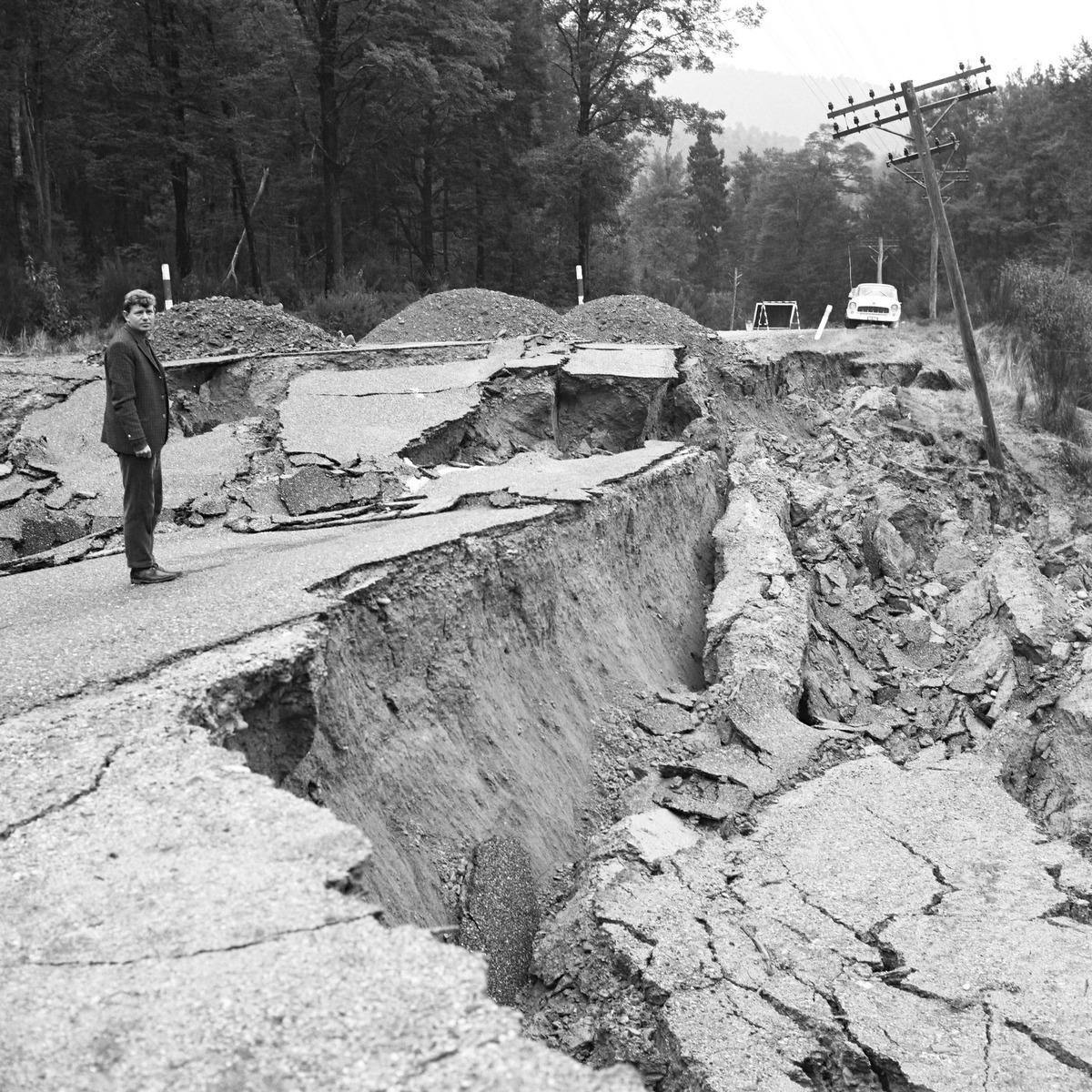 1968. Inangahua földrengés által okozott kár Új-Zélandban. A 7,1-es rengésben hárman haltak meg..jpg