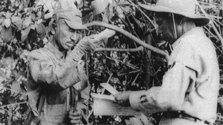 1974. Hiroo Onada a legtovább harcoló japán katona megadja magát. A Fülöp-szigetek dzsungelében a háború után csaknem harminc évvel....jpeg