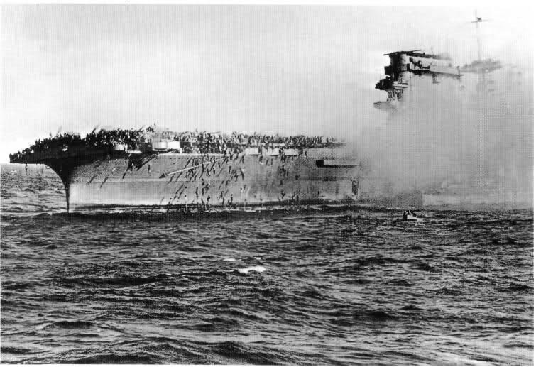 1942_uss_lexington_korall tenger.jpg