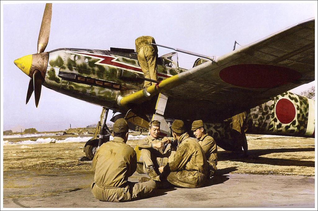 1943. Kawasaki Ki-61 Hien vadászgép valahol Japánban..jpg