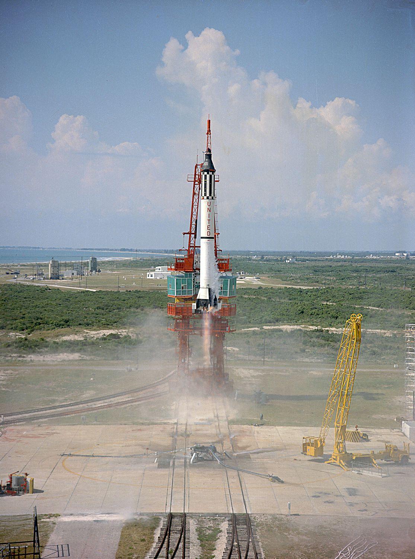 1961. A Mercury-Redstone 3 rakéta indítása, fedélzetén Alan Shepard-dal az első amerikai űrhajóssal..jpg