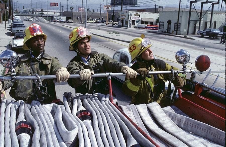1984. Los Angelesi tűzoltók vonulnak..jpg