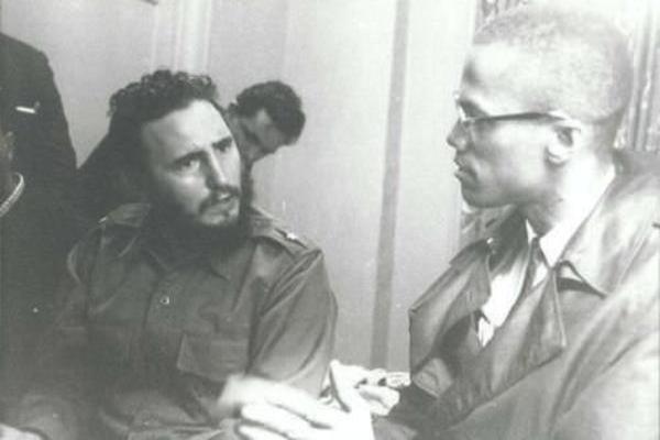 1960. Fidel Castro és Malcolm X beszélget..jpg