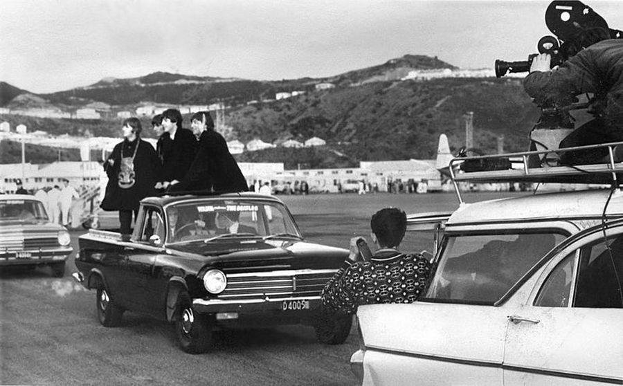 1964. A Beatles Új-Zélandra érkezik..jpg