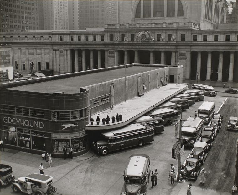 1936. Greyhound busz állomás, New York..jpg