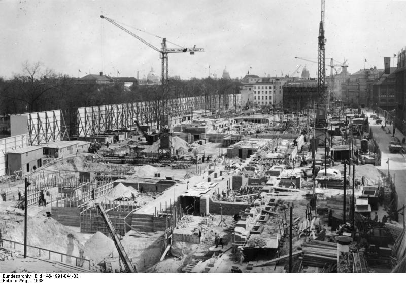 1938. A berlini Birodalmi Kancellária építési munkálatai..jpg