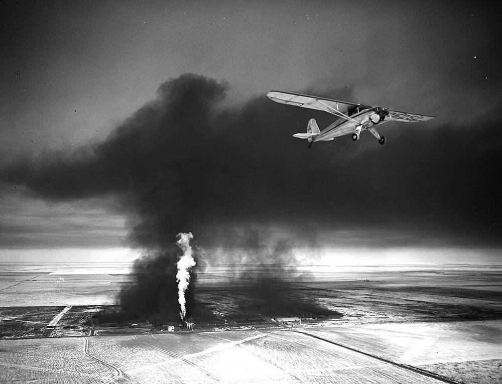 1946. A Witco Chemical Laboratories-ban történt baleset kisrepülőről fotózva..jpg