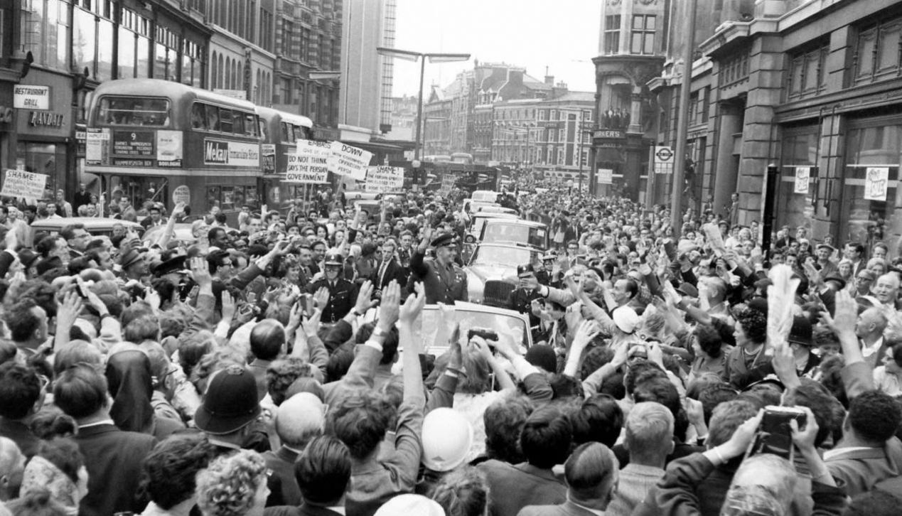 1961. Gagarin Londonban..jpg