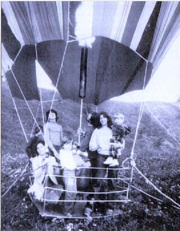 1962. Peter Strelzyk, Günter Wetzel házilag készült hőlégballonja, amivel teljes családjukkal sikeresen nyugatra szöktek az NDK-ból..png