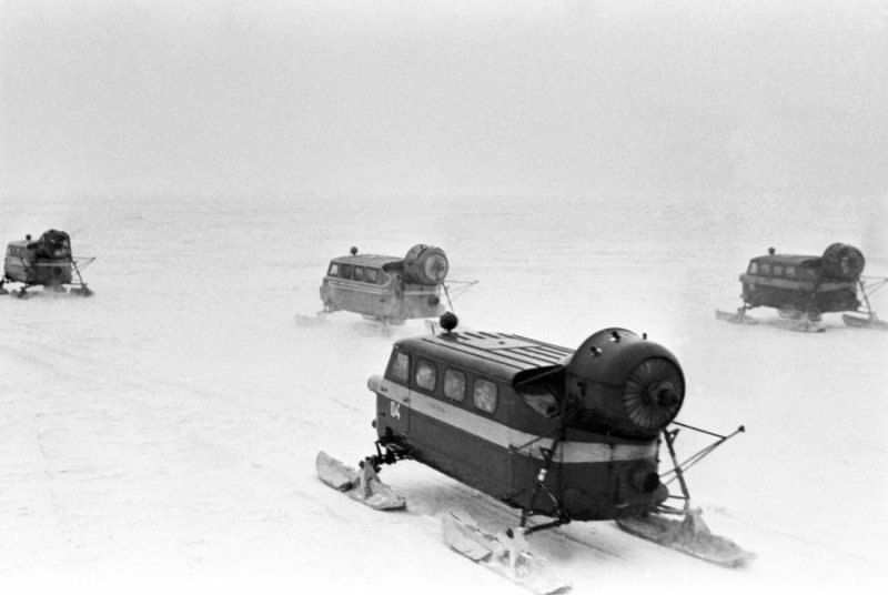 1983. A habarovszki régióban (szovjet távol-kelet) a postahómobilok indulnak a kisebb településekre..jpg