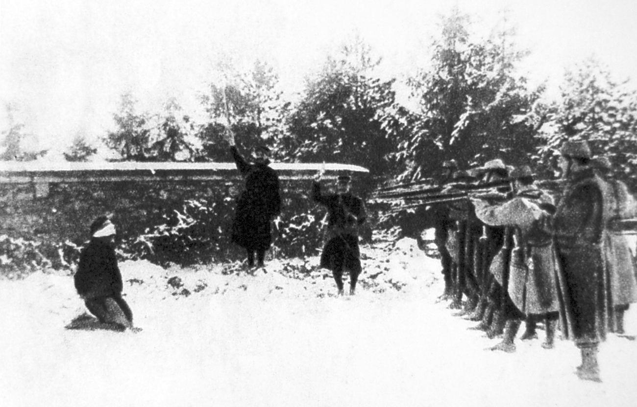 1917. Német kém kivégzése. Verdun, Franciaország..jpg