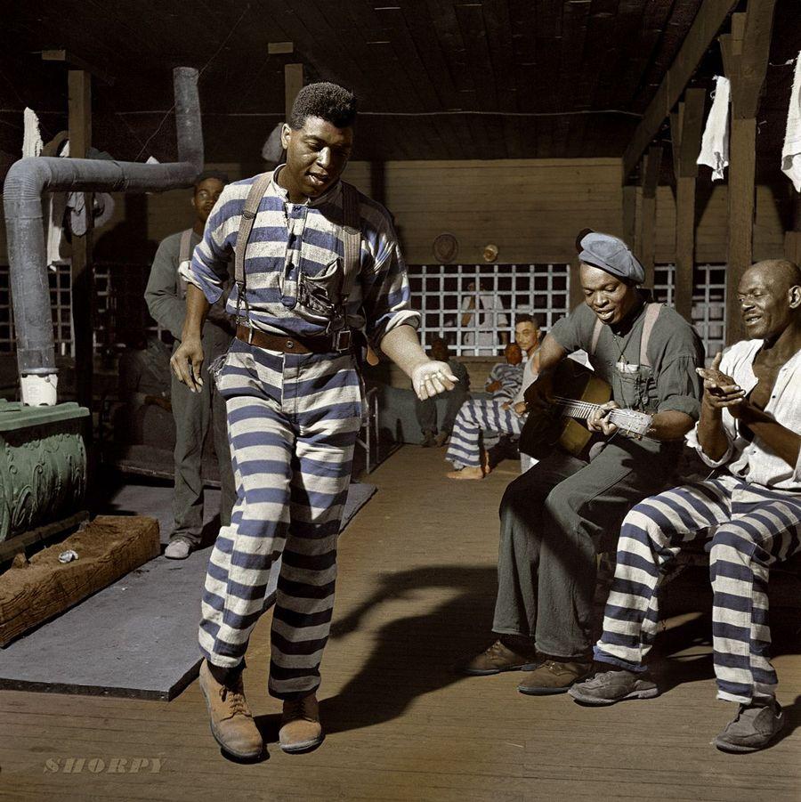 1941. Börtönélet az USA-ban. Utólag színezett kép..jpg