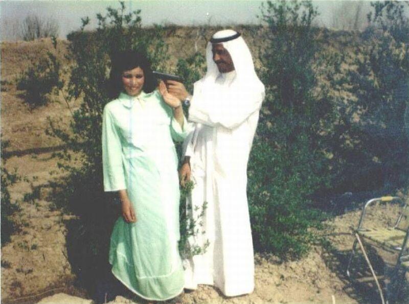 1963 körül. A fiatal Szaddam Husszein mindig is értett a nők nyelvén. Képen ifjú feleségével Szádzsida Tulfáh-val..jpg