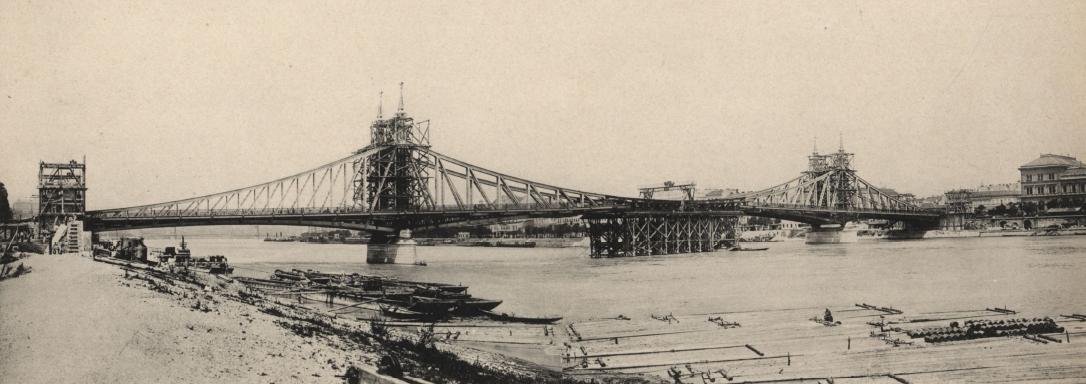 1896. augusztus. A Vámháztéri híd, azaz Ferenc József híd (későbbi Szabadság híd) elkészült a milleniumra..jpg