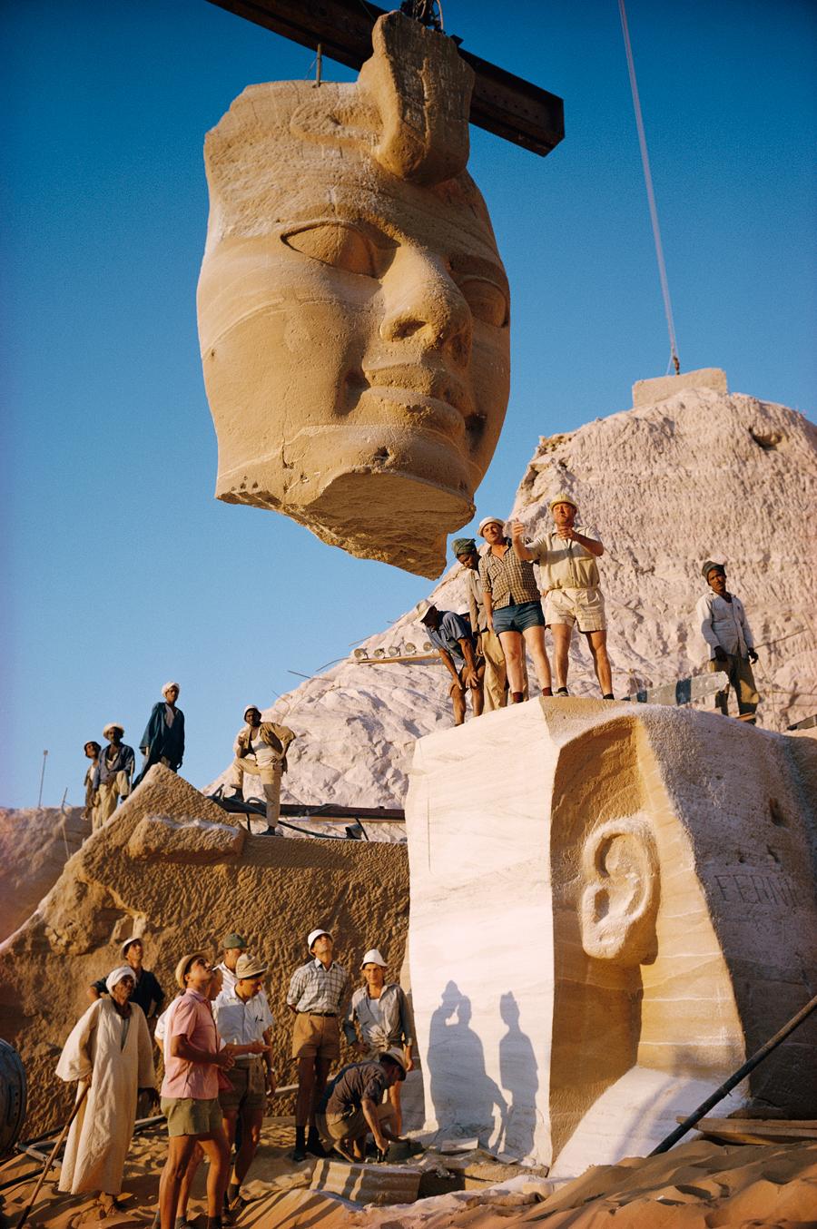1966. Abu Szimbel templom költöztetése a Nasszer víztározó építése miatt..jpg