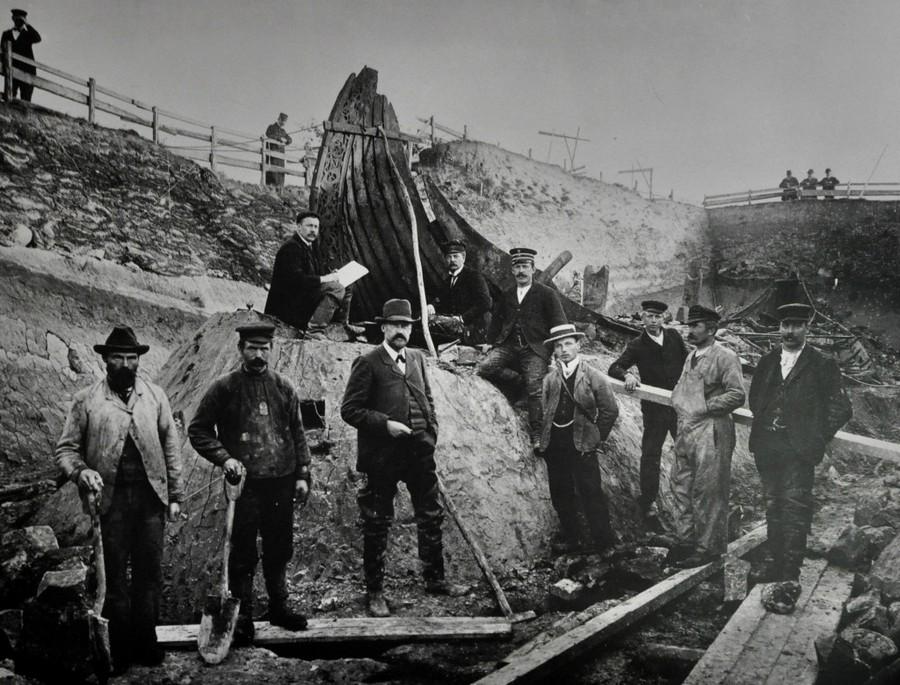 1904. Az Oseberg-hajó feltárása..jpg
