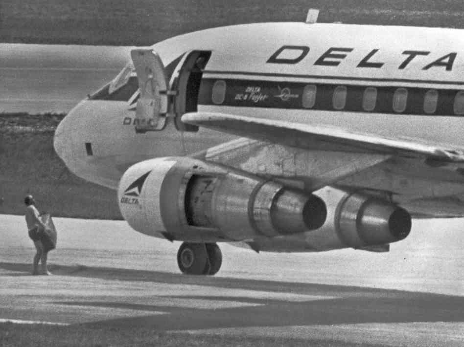1972. George Wright egy felfegyverkezett csoporttal eltérítette a Delta légitársaság Detroit és Miami közötti járatát, amelyen 86-an utaztak..jpg