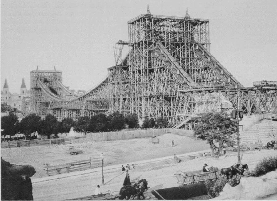 1902. A régi Erzsébet híd építése..jpg