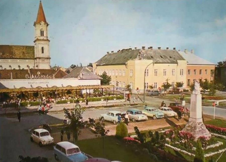 1965 körül. Siófok, Fő tér..jpg