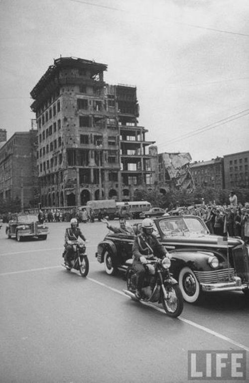 1959. Nixon alelnökként tett látogatása Varsóban..jpg