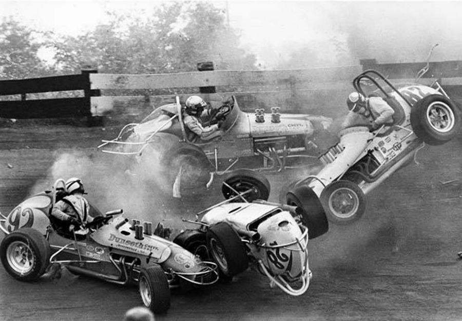 1967. Indiana, USA. Sprint car versenyen történt látványos baleset..jpg