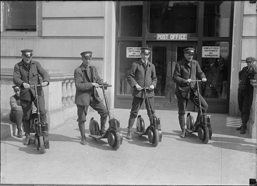 1917. Washingtomi postások, motoros rollereiken..jpg