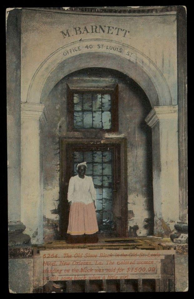 1914. Idős nő áll ugyanazon a dobogón, ahol kislány korában eladták 1500 dollárért..jpg