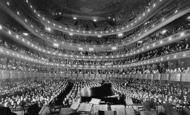 1937. A régi Metropolitan Opera House, New York.jpg