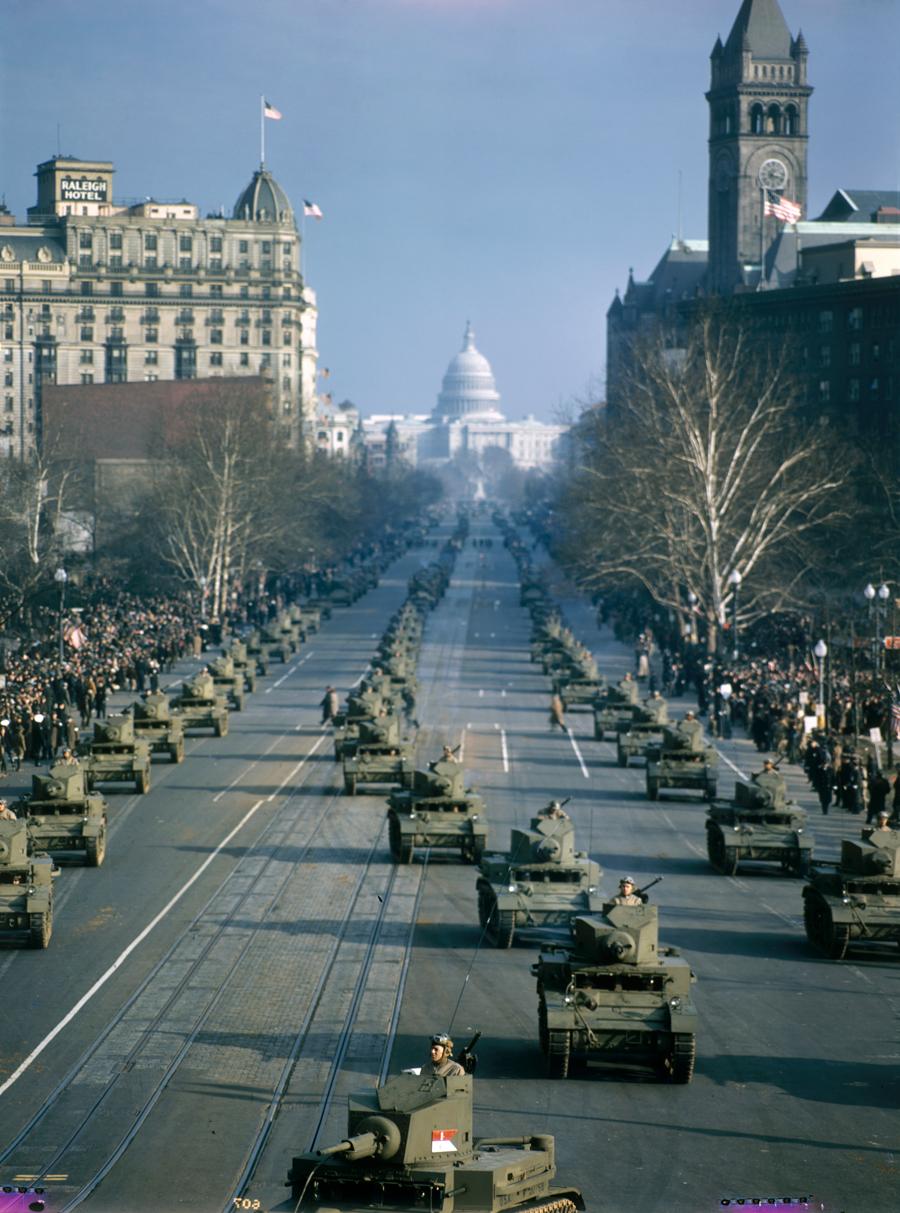 1947. Amerikai hadsereg parádéja a Kapitólium közelében..jpg