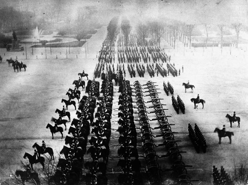 1871. Német győzelmi parádé Párizsban a francia-porosz háború végén..jpg