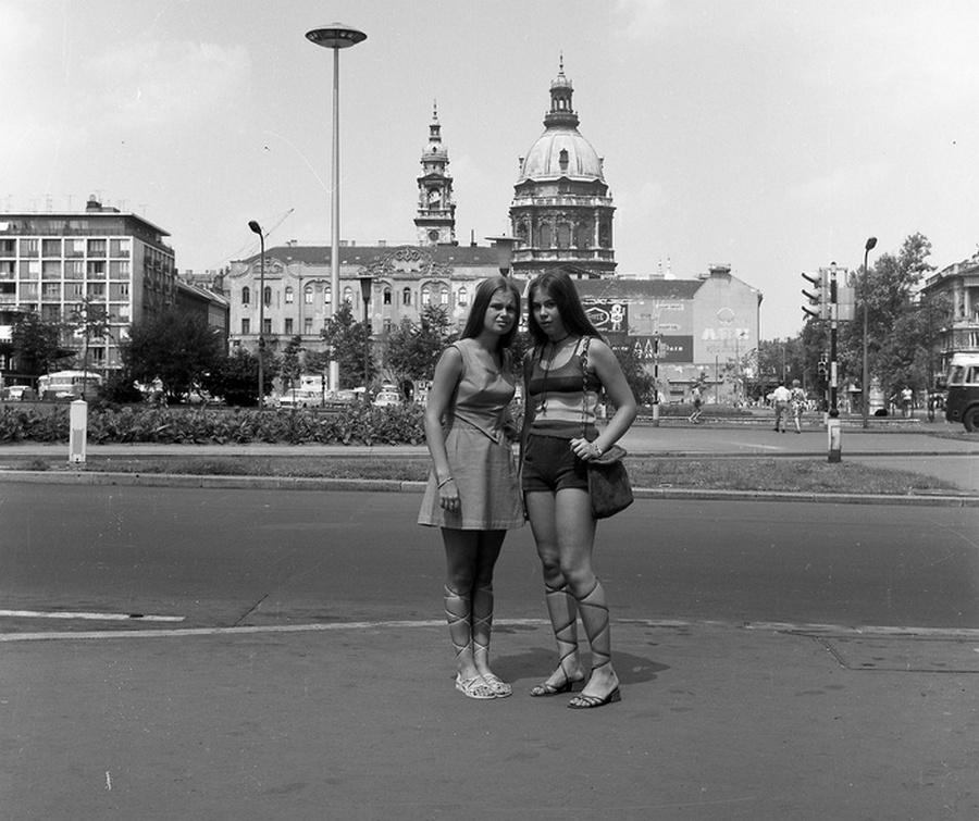 1975. Budapest, Engels tér.jpg
