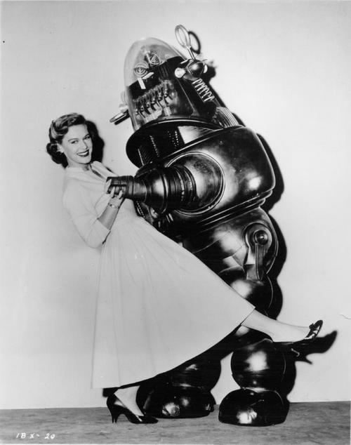 1956. Robby a robot a Tiltott Bolygó c. filmből.jpg