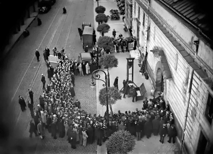 1939. Utolsó nyilvános kivégzés guillotine-nal Franciaországban..jpg