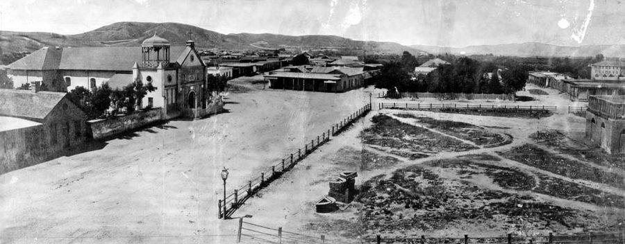 1869. Los Angeles, azaz Pueblo de Los Angeles. A főtér és az Old Plaza templom..jpg