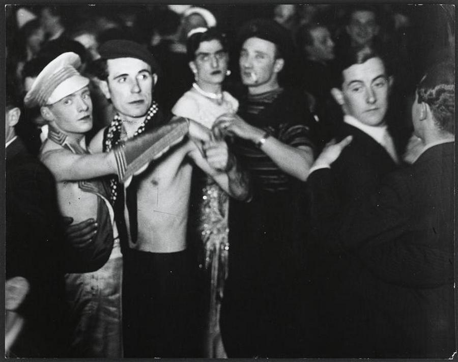 1930. Berlini homoszexuális klub..jpg