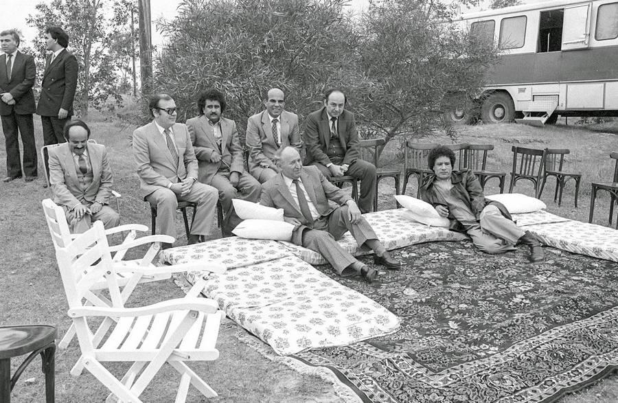 1984. Todor Zsivkov bolgár pártvezető Líbiában Moammer Kaddhafi vendégeként..jpg