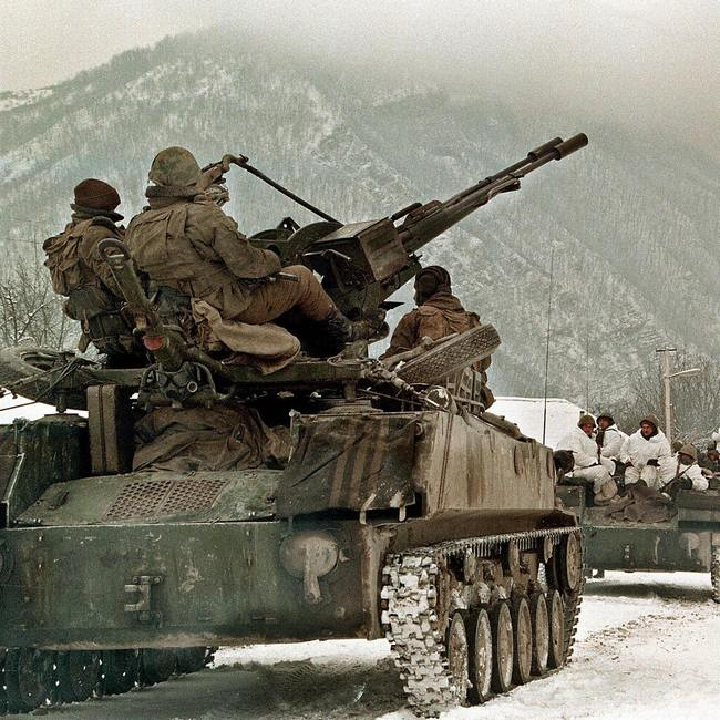 1994. Orosz csapatok Csecsenföldön..jpg