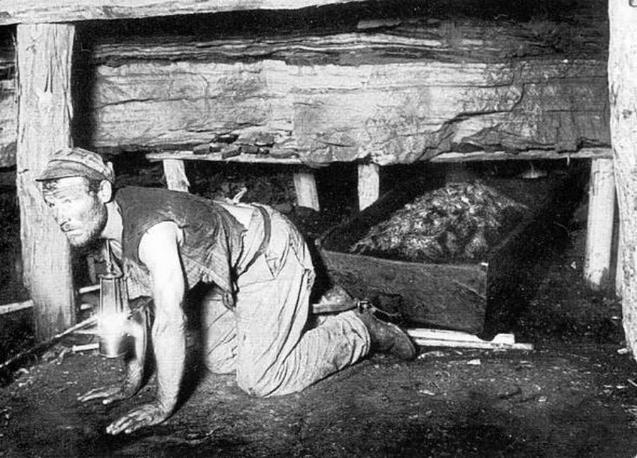 1890. Donyecki bányász.jpg