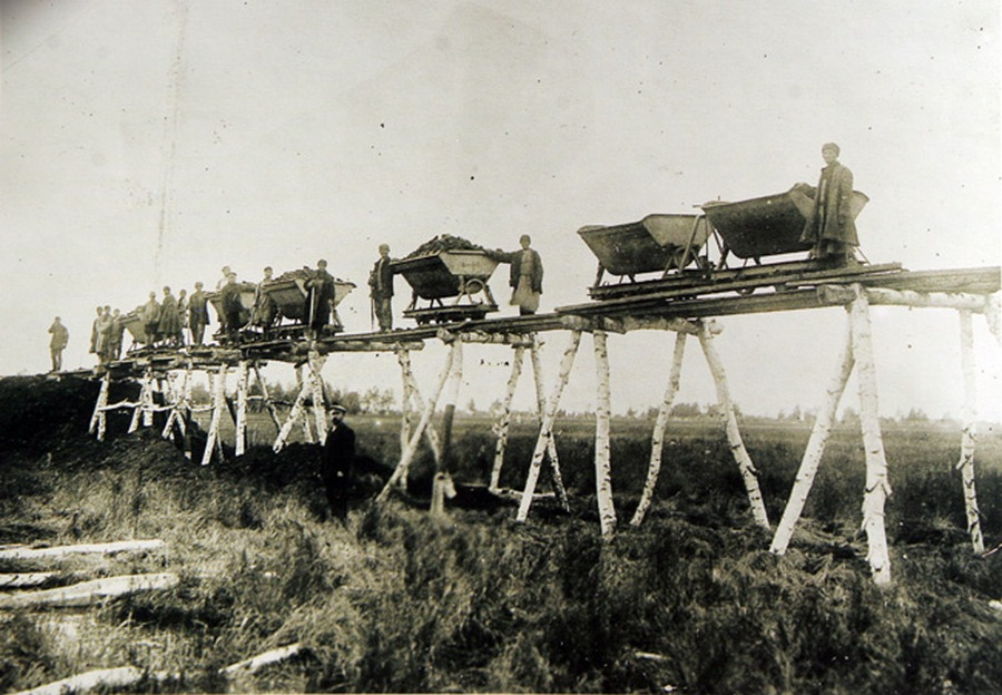 1891. A transzszibériai vasút építése..jpg