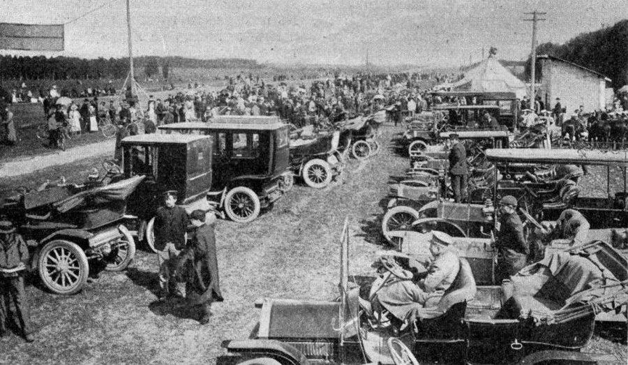 1908. A Moszkva-Szentpétervár közötti nemzetközi autóverseny résztvevői._cr.jpg