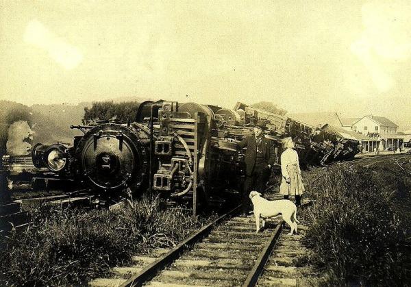 1906. A san franciscoi földrengés hevességéről sokat elárul ez a fotó..jpg
