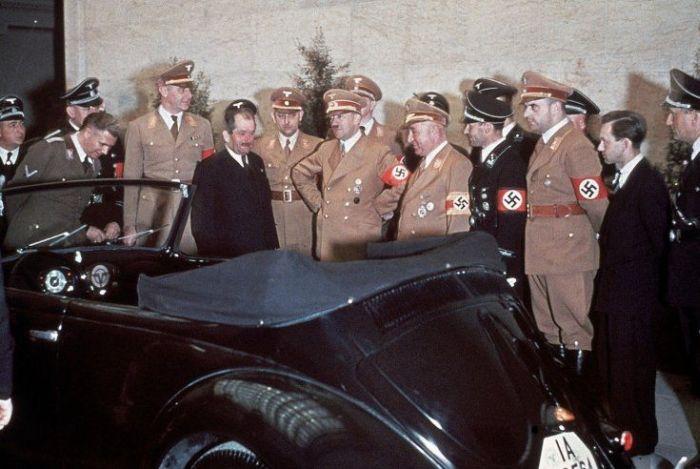 1939 Ferdinand Porsche kabrió bogarat ajándékozott a Führer 50. születésnapjára.jpg