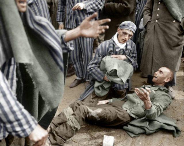 1945. Wöbbelini koncentrációs tábor felszabadítása..jpg