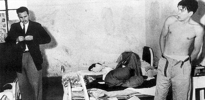 1950. Fidel Castro és Che Guevara egy szobában Mexikóvárosban.jpg