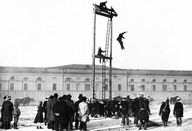 1904_tuzoltokikepzes.jpg